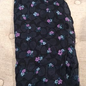Coach navy flowered scarf 80x24